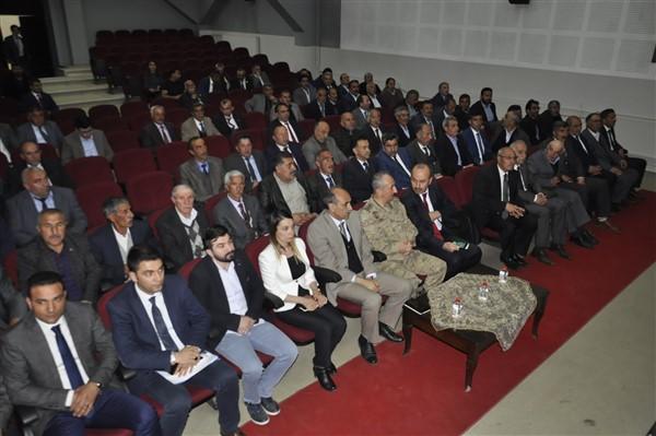 "albay-kilic-uyardi-""afgan-cobanlari-karakola-bildirin!""-(5).jpg"