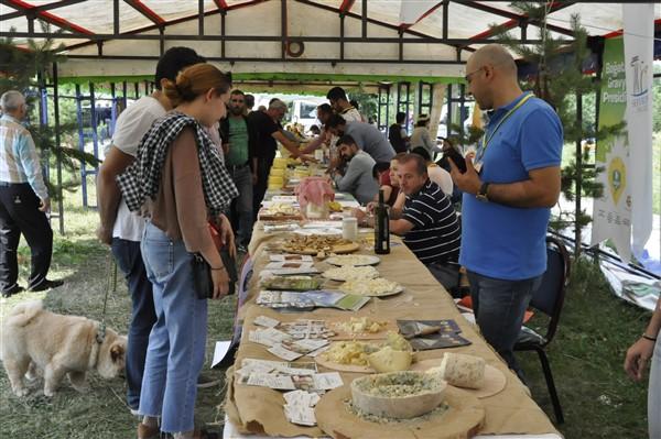 anadolu-peynirleri-cilavuz'da-gorucuye-cikti-(18)-001.jpg