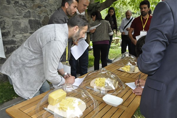 anadolu-peynirleri-kars'ta-bulusuyor-(16).jpg