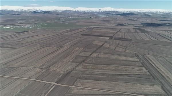 arazi-toplulastirma-calismalari-tum-hiziyla-devam-ediyor-(5).jpg