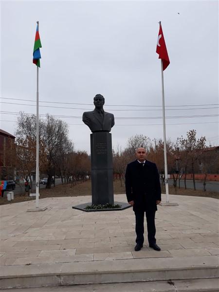 azerbaycan-kars-baskonsoloslugu,-karabag-sehitlerini-andi-(14).jpg