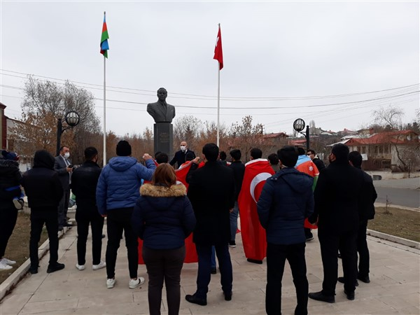 azerbaycan-kars-baskonsoloslugu,-karabag-sehitlerini-andi-(2)-001.jpg