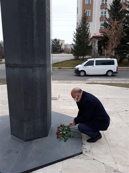 azerbaycan-kars-baskonsoloslugu,-karabag-sehitlerini-andi-(5)-001.jpg