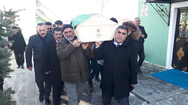 gazeteci-erdogan-karabag-topraga-verildi-(3).jpg