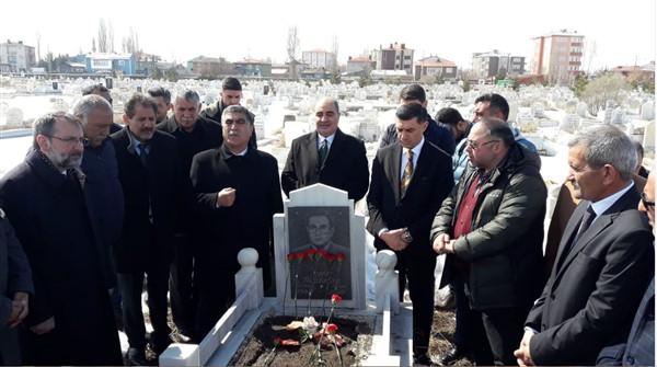 gazeteci-merhum-oner-dasdelen-mezari-basinda-anildi-(5).jpg