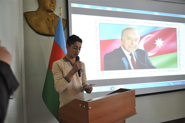 haydar-aliyev,-96.-dogum-gununde-kars'ta-da-anildi-(9).jpg