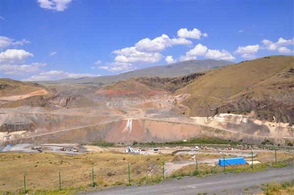 karakurt-baraji,-yilsonunda-su-tutmaya-baslayacak-(19).jpg