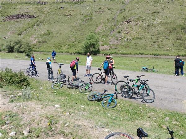 kars'-bisiklet-kulubu-sportif-faaliyetlerine-basladi-(1).jpg