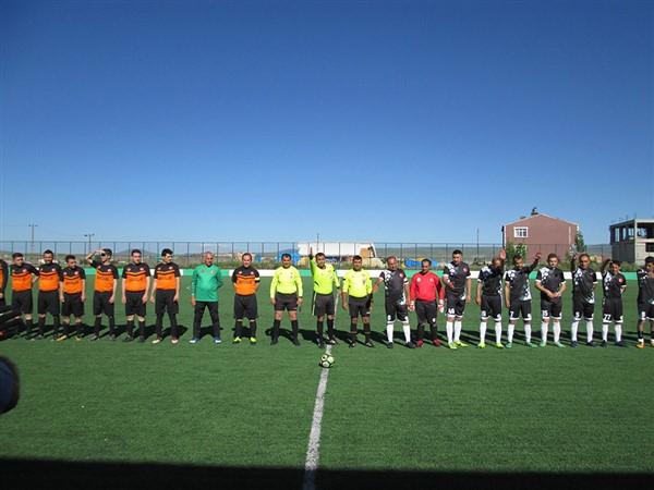 kars'ta-kurumlar-arasi-futbol-turnuvasi-start-aldi-(2).jpg