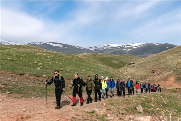 kars'ta-tarihi-ipek-yolunda-genclik-yuruyusu-(2).jpg