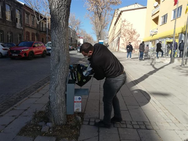 kars-belediyesi-sokak-hayvanlarini-ac-birakmiyor-(4).jpg