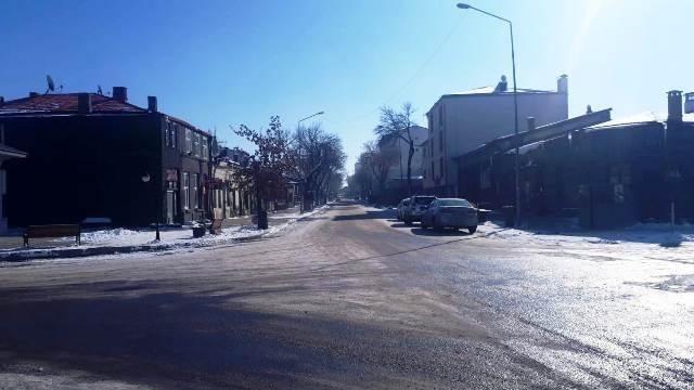 kars-halki,-sokak-kisitlamalarina-tam-uyum-sagliyor-(2).jpg
