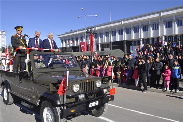 karsta-cumhuriyet-coskusu-yasandi-(1)_renamed_5931.jpg