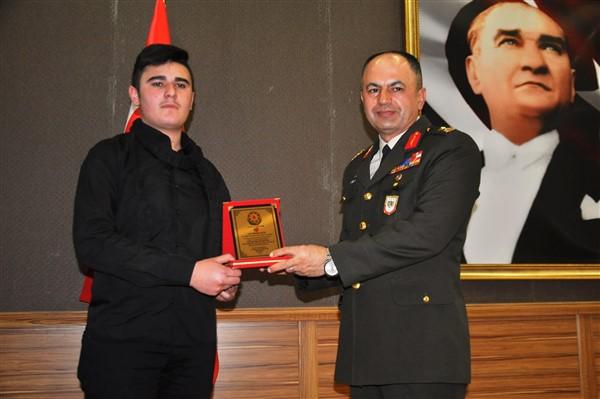 merhum-haydar-aliyev,-vefatinin-15.-yilinda-karsta-anildi-(10).jpg