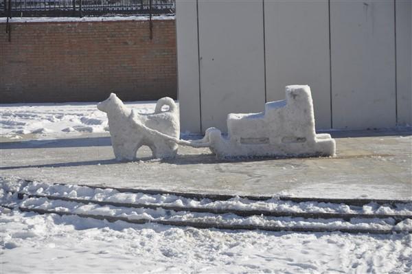 ogrencilere-karne-hediyesi;-kardan-heykeller-(34).jpg