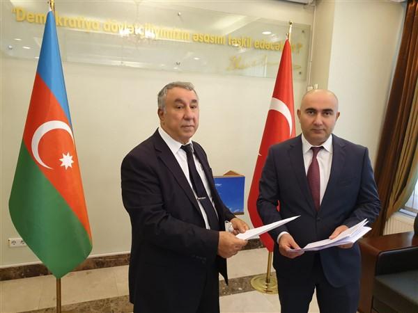sivil-toplum-kurulusu-ve-vatandaslardan-azerbaycana-destek-(2).jpg