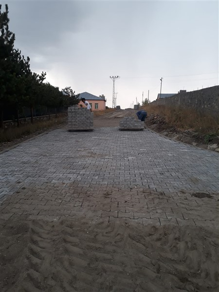 susuz-belediyesi,-mahalle-aralarindaki-yollari-yapiyor-(2).jpg