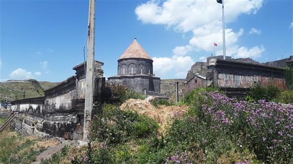 tarihi-duvar,-turistler-icin-tehlike-olusturuyor-(26).jpg