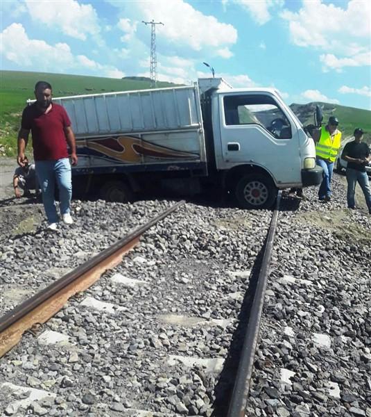 tren-yolunda-menfez-yapildi-yol-acilmadi--(2).jpg