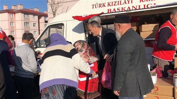 turk-kizilayi-kars-subesi-ihtiyac-sahibi-ailelere-kavurma-dagitti-(9).jpg