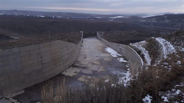 vali-oksuz-kars-baraji,-her-yil-92-milyon-tl-gelir-saglayacak-(3).jpg